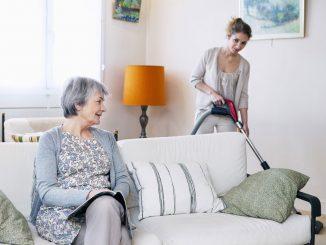 Nebenjob als Haushaltshilfe für Senioren
