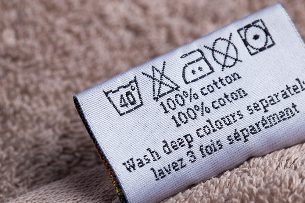 Handtuch mit Waschetikett